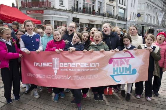 Young singers from Music Mash Up get ready for this years Music Generation Cork City May HUM Festival Photo Clare Keogh 560x373